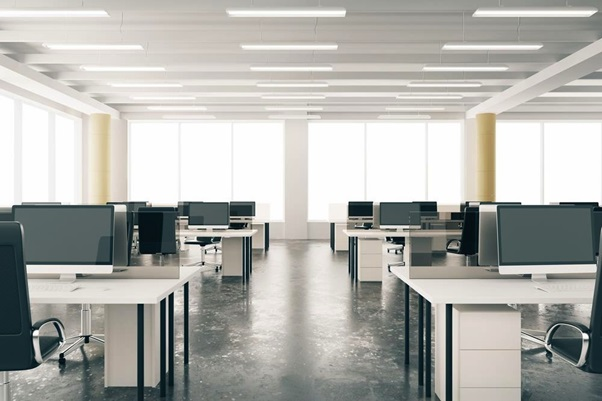 What are the things you should keep in mind before buying desks for your office?