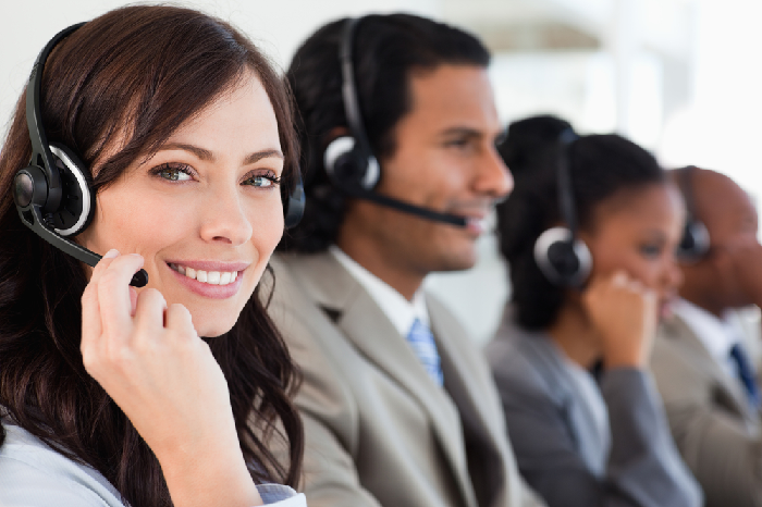 Advantages of Outsourcing Call Answering Service to an In-house Team